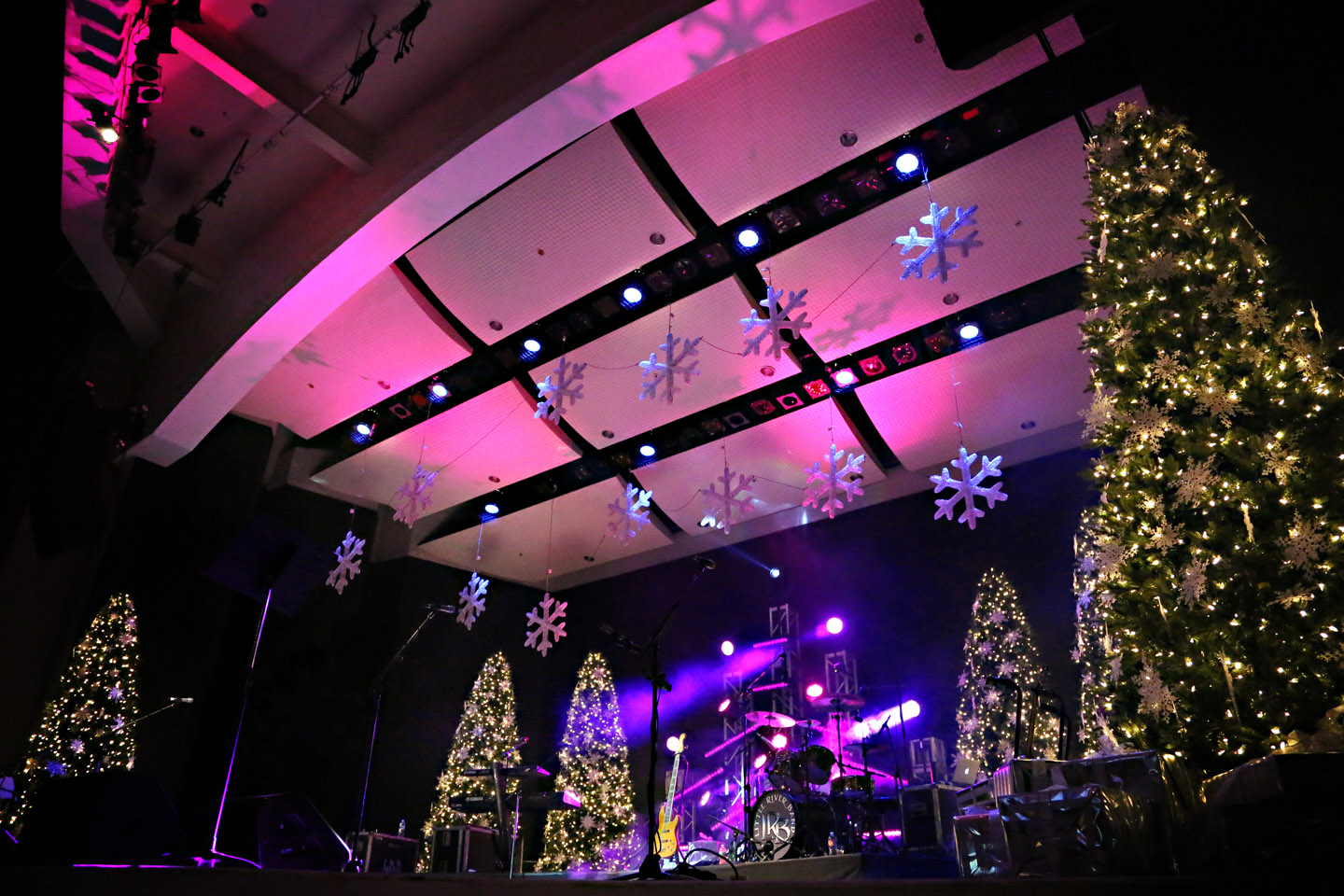 Carols by Candlelight | Old School Square